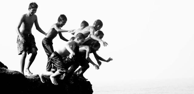 Friends Jump Together by Hermanzs at https://www.flickr.com/photos/hermanzs/3640932632/in/photolist-6xJJqy-4aYzd-iQTgh-hto45P-6TKdmE-dSinCp-9tx7mo-e9PaTP-9T2s7t-e8Pmud-d46zM-fAuGU2-vrepm-9BQLxe-HWkHR-ijGrKt-7LV7NM-9qRqbt-dUBYzn-dtKtzz-8LP2w9-4tV8wx-eUKDsx-8ssasU-apDvt1-apMLVL-8WV8EJ-vrn3r-njqq44-nAC2FT-4b8jcR-bybuNS-dtKtye-8K1pKQ-aL7eNT-4RXi2c-aMe3Mr-8gX6Zc-7WdgfL-mUbHWY-fmoCDo-brNfvc-mwRmb-nYYa15-7RpLR3-a7mJSi-n731Ub-8t2ssg-mUtWev-KAaSE